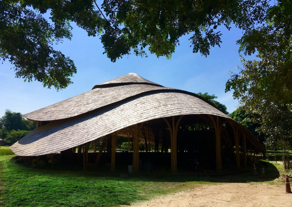 Bamboo Sports Hall for Panyaden International School / Chiangmai Life Construction